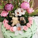 Kutyusos virágkosár, Otthon & Lakás, Dekoráció, Asztaldísz, Virágkötés, Aranyos, hasaló kutyusos asztali dísz. , Meska