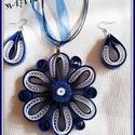 Kék-fehér szett., Ékszer, Közkedvelt a vásárlóim közt ez a szett.  Kék-fehér kompozíció. A medál átmérője 8 cm. A fülcsi 3cm+ ..., Meska