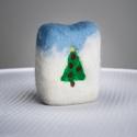 Karácsonyi Nemez szappan , Baba-mama-gyerek, Szépségápolás, Dekoráció, Karácsonyi, adventi apróságok, Ünnepi dekoráció, Szappan, tisztálkodószer, Nemezelés, Szappankészítés, Kézzel készült  Bevonata 100% merinói gyapjú   A nemez szappan egy nagyon különleges szappanfajta. ..., Meska