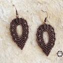 Barna nyári-őszi makramé fülbevaló , Ékszer, óra, Fülbevaló, Makramé technikával, azaz csomózással készült barna fülbevaló, bronz színű fém köztesekkel. Egyszerű..., Meska