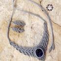 Ezüstszürke makramé szett szodalit ásvánnyal
