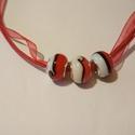 Piroska nyaklánc, Ékszer, Nyaklánc, Piros színű  gyöngyök piros organza szalagon.  A lánc hossza 45 cm.  , Meska