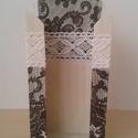 Csipkés papírzsebkendő tartó, Otthon, lakberendezés, Tárolóeszköz, Decoupage, transzfer és szalvétatechnika, Festett tárgyak, Dekupázs technikával készült papírzsebkendő tartó csipke mintával és csipkével fekete fehér színben..., Meska