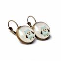 Little owls fülbevaló, Ékszer, Fülbevaló, Szürke-kék, baglyos fülbevaló bronz franciakapcsos alappal. Az üveg cabochon átmérője 1.6 cm.  A fel..., Meska