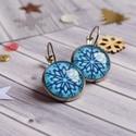 Snowflake 1. fülbevaló, Hópehely mintás, kék-fehér színű, üveglencs...