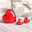 Heartbeat ékszerszett, Ékszer, Ékszerszett, Fülbevaló, Gyűrű, Vörös színű, bedugós fülbevalóból és gyűrűből álló, szív alakú üveg szett bronz foglalattal. A gyűrű..., Meska