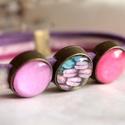 Macaron karkötő, Ékszer, Karkötő, Édes, színes, pasztelles macaron mintás karkötőt készítettem 3 üveg betéttel, 3 különböző színű rózs..., Meska