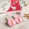 Pink Christmas fülbevaló, Ékszer, Fülbevaló, Karácsonyra készültem ezzel a kedves fenyőfa mintás ékszerrel. A grafika üveglencse alá, bronz franc..., Meska