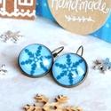 Snowfall fülbevaló, Ékszer, Fülbevaló, Karácsonyra készültem ezzel a kedves hópehely mintás ékszerrel. A grafika üveglencse alá, bronz fran..., Meska