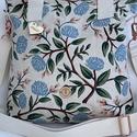 Secret Garden beige virágmintás pamutvászon válltáska/oldaltáska, Táska, Divat & Szépség, Táska, Válltáska, oldaltáska, Varrás, Nyárias színekben tündöklő, virágmintás pamutvászonból készült nagy méretű válltáska, mely kényelme..., Meska