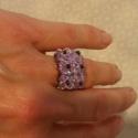 Lila virágos gyűrű, Lila swarowski bicone gyöngyből készült ez a g...