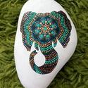 Mandala elefántkő, Dekoráció, Otthon, lakberendezés, Asztaldísz, Kerti dísz, Festett tárgyak, 12 cm-es kézzel, pöttyöző technikával készült mandalás elefánt.  Ajánlom: - szobába dekor elemként,..., Meska