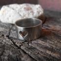 Alpakka szív gyűrű, Ékszer, Szerelmeseknek, Gyűrű, Alpakkából készült cső gyűrű szívvel. Bármilyen méretben elkészítem.  Az alpakka réz, cink, nikkel ö..., Meska