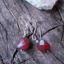 Poppy - ezüst fülbevaló, Ékszer, óra, Fülbevaló, Poppy jáspis ásványból készült ez az ezüst fülbevaló. Minden része 925-ös ezüstből készült. Antikolt..., Meska