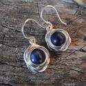 AKCIÓ!! Kianit rózsa ezüst fülbevaló, Gyönyörű kék kianit gyöngyből készült, ked...