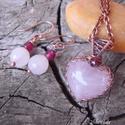 Heart - rózsakvarc szív nyaklánc és fülbevaló, Ékszer, Ékszerszett, Kedvenc szív alakú kövemből készítettem romantikus szettet, gránáttal díszítettem Antikoltam, políro..., Meska