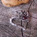 Szív medál gránáttal - 925-ös ezüst, Egyik legkedvesebb mintám ez a szívforma, rácsa...