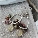 Turmalin négyzet ezüst fülbevaló, Turmalin gyöngyökkel készült egyszerű fülbev...