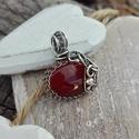 Őszi piros - karneol ezüst medál, Ékszer, Medál, Gyönyörű őszi piros színe melengető. 925-ös ezüstből és karneol ásványból készült romantikus ékszer ..., Meska