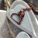 Szív réz nyaklánc, Ékszer, Dekoráció, Nyaklánc, Kedves szív alakú réz nyaklánc, apró turmalin, barackholdkő és gránát gyönggyel. Kézműves termék, me..., Meska