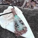 Páva réz nyaklánc, Ékszer, Nyaklánc, Azurit-krizokolla ásványból készült réz nyaklánc. Egy páva tollának színeit hozdozza, ezért is kapta..., Meska