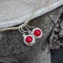 Corall rózsa ezüst fülbevaló, Ékszer, Fülbevaló, Gyönyörű piros korallból készült ez az ezüst rózsa fülbevaló. Minden része 925-ös ezüstből készült. ..., Meska