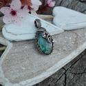 Labradorit ezüst medál, Ékszer, Medál, Kék fényű labradoritból készült romantikus ovális alakú ezüst medál. Egyedi minta alapján, kézzel ké..., Meska
