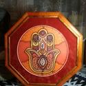 Selyem mandala Fatima keze, Dekoráció, Képzőművészet, Kép, Festmény, Selyemfestés, Nyolc szögletű selyem mandala keretezve. A mandala Fatima kezét ábrázolja , ami 5x -rös védelmet ny..., Meska