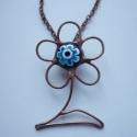 Virág a virágban, Ékszer, óra, Nyaklánc, Több technika összevonásával készült ez a medál, melyhez millefiori gyöngyöt használtam fel.  (üvego..., Meska