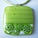 Nagy zöld virágos, Ékszer, Nyaklánc, Medál, Üvegolvasztással készült medál,  melyhez millefiori gyöngyöket és moretti üvegrudat haszná..., Meska