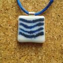 Kék csillogó hullám medál, Ékszer, Nyaklánc, Medál, Spektrum üvegből üvegolvasztással készült medál. Mérete 2,5x2,5 cm, (akasztó nélkül) színben hozzá i..., Meska