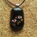 Fekete virágos medál, Ékszer, Ékszerszett, Üvegolvasztással készült medál, melyhez moretti üveget és millefiori gyöngyöt használtam f..., Meska