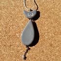 Szürke  cica medál, Ékszer, Nyaklánc, Ékszerkészítés, Üvegművészet, Üvegolvasztással készült medál, melyhez moretti üveget  használtam fel.    A medál hossza: 6,5 cm p..., Meska