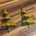 Fenyőcskék 2, Dekoráció, Otthon, lakberendezés, Dísz, Ünnepi dekoráció, Fusing  technikával készült karácsonyi ablak-, ajtódísz.  Akasztható esetleg csillárközépre is.  Mag..., Meska