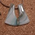 Hullamzó tenger medál és füli, Ékszer, Nyaklánc, Spektrum üvegből, üvegolvasztással készült medál.  Mérete 3,4x3.9 cm, arany selyemszálon. Kívánságra..., Meska