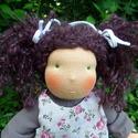 Gabi -- 35cm-es waldorf ihletésű lány baba, Miért waldorf baba? Arca szelíden formált, enyh...