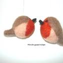 Vörösbegy pár - tűnemezelt madárkák, Dekoráció, Húsvéti díszek, Otthon, lakberendezés, Ajtódísz, kopogtató, A vörösbegy elhozza a tavaszt. Felakasztható tavasz fára (damillal)  A madárkák kb. 4-5 cm magasak  ..., Meska