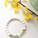 Világoszöld Jade karkötő!, Ékszer, Karkötő, Fehér és világoszöld Jade gyöngy karkötő Rose Gold köztesekkel. 8 mm-es gyöngyökből. Erős gumi damil..., Meska