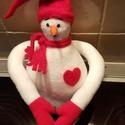 Valentin-hóember, Valentin napra, Polár anyagból készült Valentin- hóemberem minden mozdulatával szívet formáz, és ölelésre kész :)  3..., Meska