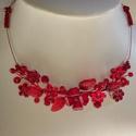 Rövid , sötétpiros  lánc., Esküvő, Esküvői ékszer, Különleges menyecske lánc. Az ékszer anyaga, gyöngy, levél, virág.  Szín:piros Méret:36 cm+..., Meska