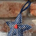 Karácsonyi csillag kék fehér pöttyös, Dekoráció, Karácsonyi, adventi apróságok, Otthon, lakberendezés, Ünnepi dekoráció, Varrás, Kék fehér pöttyös pamutvászonból készült kedves dekoráció, poliészter töltettel, fa dekor gombbal é..., Meska