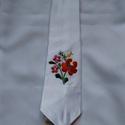 Hímzett szatén nyakkendő, Férfiaknak, Magyar motívumokkal, Hagyományőrző ajándékok, Férfi hímzett szatén nyakkendő. A nyakkendők teljesen egyedi darabok. Én szabtam- varrtam, maj..., Meska