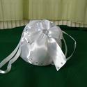 Mennyasszonyi szütyő , Esküvő, Hófehér menyasszonyi  szütyő. Átmérő 14cm . Mgasssága 17 cm., Meska