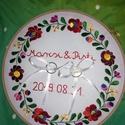 Gyűrű tartó, Esküvő, Esküvői dekoráció, Kézzel hímzett tradicionális gyűrűpárna Mérete minden esetben a megrendelő kérése alapján. A képen l..., Meska
