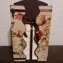 Romantikus, vintage papírzsebkendőtartó!, Dekoráció, Otthon, lakberendezés, Tárolóeszköz, Asztaldísz, Decoupage, transzfer és szalvétatechnika, A papírzsebkendő tárolót natúr állapotban vásároltam. Belsejét barna akril festékkel festettem, kül..., Meska