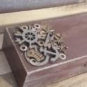 Egyedi, fa tolltartó férfiaknak!, Dekoráció, Férfiaknak, Steampunk ajándékok, Legénylakás, A képen látható egyedi fa tolltartó kifejezetten férfiaknak készült ajándékba. Különleges..., Meska