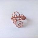 Szívecskés gyűrű, Ékszer, óra, Gyűrű, A gyűrűt vörösréz drótból készítettem el. Átmérője 17,5cm. Kerülete 6 cm. , Meska