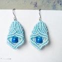 Makramé fülbevaló kék gyönggyel, Ékszer, óra, Fülbevaló, Csinos fülbevaló, melynek hossza 4cm, szélessége 2.5cm., Meska