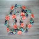 Virágfonat nyaklánc, Ékszer, Nyaklánc, Vidám, egyedi, játékos, feltűnő, különleges horgolt nyaklánc valódi fa gyöngyökkel díszítve. Hordhat..., Meska
