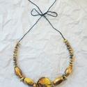 Mustársárga nyaklánc, Ékszer, Nyaklánc, Gyönyörű mustárszínű gyöngyökből fűztem ezt a nyakláncot. Állítható hossz., Meska